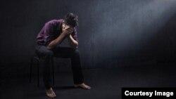 افسردگی در نزد اطفال ۲ درصد و نزد نوجوانان بیشتر و خطرناکتر می باشد.