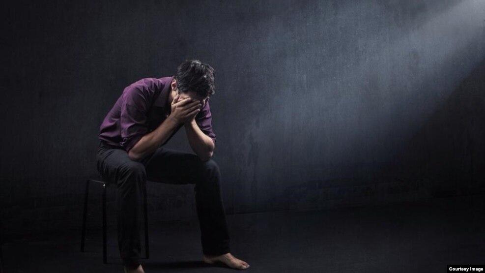 Sosial mediadan hədsiz istifadə depressiyaya yol açır
