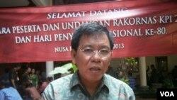Ketua Komisi Penyiaran Indonesia Mochamad Riyanto pada peringatan Hari Penyiaran Nasional di Bali. (VOA/Muliarta)