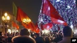 俄羅斯反對派共產黨支持者12月5日在莫斯科集會抗議選舉舞弊