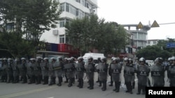 四川什邡地區7月3日警民恃情形