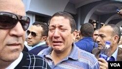 Bomb Blasts Near Cairo University
