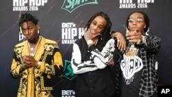 Nhóm nhạc hip-hop Migos tại lễ trao giải BET Hip Hop Awards ở Atlanta.