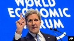 លោក John Kerry រដ្ឋមន្រ្តីការបរទេសអាមេរិកថ្លែងក្នុងកិច្ចពិភាក្សានៅក្នុងកិច្ចប្រជុំប្រចាំឆ្នាំលើកទី៤៦ នៃវេទិកាសេដ្ឋកិច្ចពិភពលោកនៅក្នុងប្រទេសស្វ៊ីស។