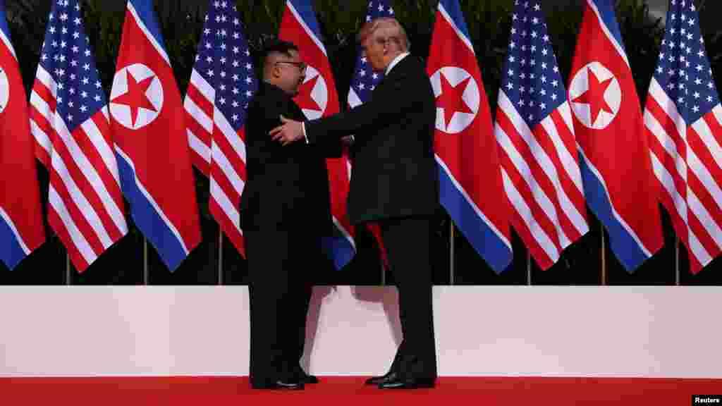 د امریکا جمهور رئیس دونالد ټرمپ اود شمالي کوریا مشر کیم جونگ اون بلاخره سره وکتل