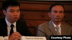 Nhà hoạt động/blogger Nguyễn Đình Hà (trái) mới bị an ninh Việt Nam sách nhiễu ở Tp. HCM.