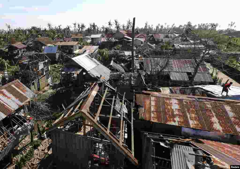 A general view of damaged houses swept by Typhoon Hagupit in Eastern Samar in central Philippines, Dec. 8, 2014.