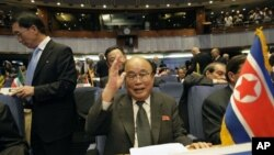 28일 이란에서 열린 비동맹운동 정상회의에 참석한 북한의 박의춘 외상.