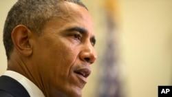 바락 오바마 미국 대통령이 24일 백악관에서 새로운 인질 정책를 발표하고 있다.