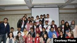 پاکستانی یوتھ ایکس چینج پروگرام کے تحت امریکہ میں ایک سال مکمل کرکے لوٹنے والا گروپ۔ مئی 2017