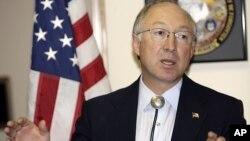 Ken Salazar, es el último de los funcionarios hispanos en el gabinete de Obama en anunciar su retiro.