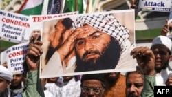 بھارتی مسلمان مسعود اظہر کے خلاف مظاہرہ کر رہے ہیں۔ (فائل فوٹو)