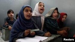 پاکستانی بچیاں