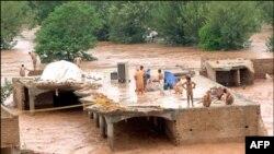 У Китаї загинуло понад 100 осіб внаслідок повені