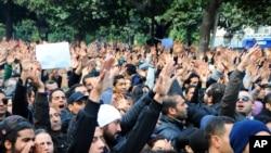 突尼斯反对派领袖遇害引发抗议