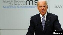 ທ່ານ Joe Biden ຮອງປະທານາທິບໍດີສະຫະລັດກ່າວຄໍາປາໄສ ກອງປະຊຸມດ້ານຄວາມໝັ້ນຄົງຄັ້ງທີ 49 ທີ່ນະຄອນ ຢູ່ພາກໃຕ້ຂອງເຢຍຣະມັນ ໃນວັນທີ 2 ກຸມພາ 2013.