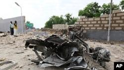 Dégâts matériels à Maiduguri après l'explosion d'une bombe le 29 juin 2011