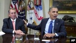 Presiden Barack Obama dan Ketua Dewan Perwakilan Rakyat John Boehner saat berbicara pada wartawan mengenai isu jurang fiskal. (Foto: Dok)