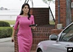 Bà Jill Kelly rời nhà hôm 13/11/2012 ở Tampa, Florida.