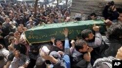 4일 이집트 수도 카이로의 타흐리르 광장에서 열린 모하메드 알 귄디의 장례식.