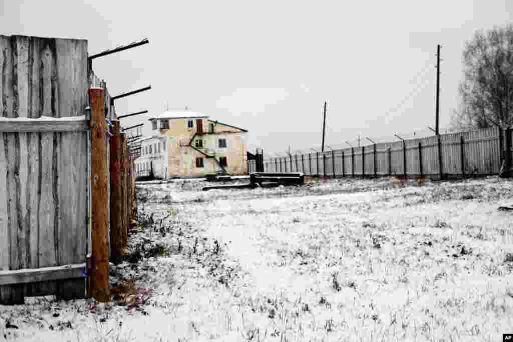 Barbed wire fences at Perm-36 kept prisoners in. (Yuli Weeks/VOA)