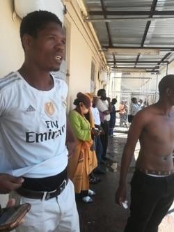 Abanye ababotshwe eCentral Police Station ngoLwesithathu abetheswa amacala okutshengisela enkambeni le. (Courtesy Photo: Mthwakazi Republic Party)