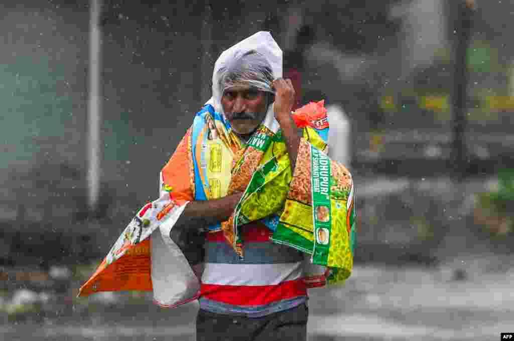 Hindistanda siklon 20-dən çox adamın ölümünə səbəb olub
