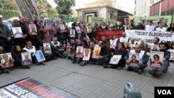 Protestos na Turquia contra a prisão de políticos