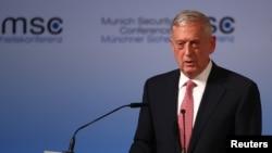 د امریکا د دفاع وزیر په افغانستان کې نظامي ماموریت هم کړی.