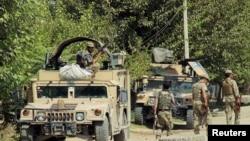 Pasukan keamanan Afghanistan bersiap-siap bertempur dengan pemberontak di pinggiran Kunduz, Afghanistan, 21 Agustus 2016. (Foto: ilustrasi)