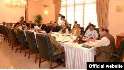 Thủ tướng Pakistan Muhammad Nawaz Sharif chủ tọa phiên họp của Ủy ban An ninh Quốc gia tại dinh thủ tướng ở Islamabad, 10/10/14