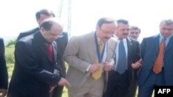Reagon ashpër edhe kongresisti Engel për prekjen e varrezës hebraike të Prishtinës