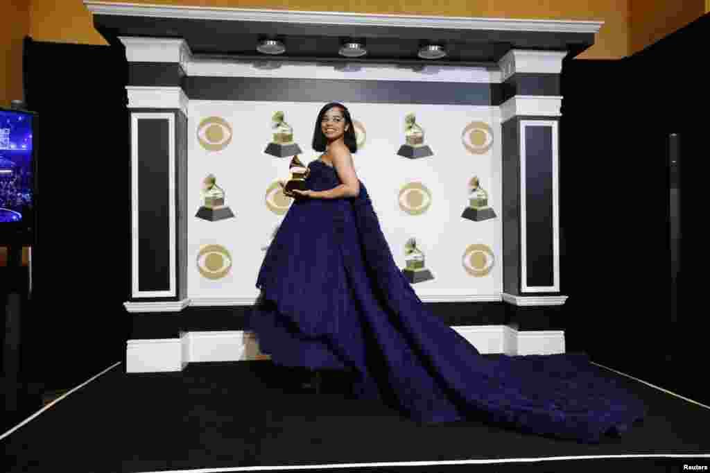 ایلا مائی کو بہترین گانا بووڈ اپ کے لئے ایوارڈ سے نوازا گیا۔