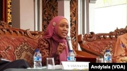 Dosen Pasca Sarjana Perguruan Tinggi Ilmu Al Quran Jakarta, Dr. Nur Rofiah Bil Uzm, menjadi salah satu pemateri dalam Kongres Ulama Perempuan Indonesia di Pesantren Kebon Jambu, Babakan, Cirebon, Jawa Barat (Foto: VOA/ Andylala)