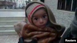 Warga Suriah yang kelaparan menanti bantuan makanan dan obat-obatan dari PBB.