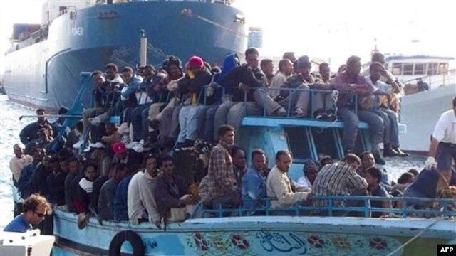 Hơn 20.000 di dân đã tới Italia qua hòn đảo Lampedusa nhỏ bé ở Địa trung hải kể từ khi bất ổn chính trị nổ ra ở Tunisia và Libya