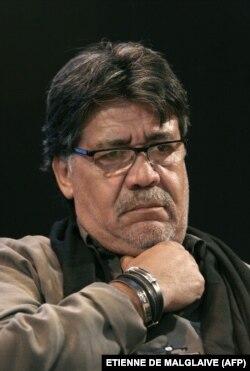 Escritor Luís Sepúlveda, em Paris, março 2010