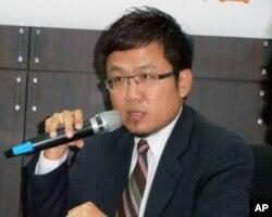新台湾国策智库研究员刘世忠