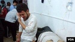 Tragičan prizor nakon granatiranja u Homsu, 8. 2. 2012.