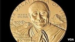 美國國會金質獎設立以來有數百人獲獎﹐包括頒給西藏精神領袖達賴喇嘛