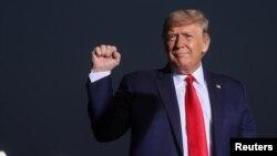 លោកប្រធានាធិបតីសហរដ្ឋអាមេរិក Donald Trump ក្នុងពេលធ្វើសកម្មភាពឃោសនារកសំឡេងឆ្នោតនៅទីក្រុង Reno រដ្ឋ Nevada សហរដ្ឋអាមេរិក កាលពីថ្ងៃទី ១២ ខែកញ្ញា ឆ្នាំ២០២០។