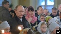 برخلاف ادعاها درباره ثروت پوتین، او خود را از نظر مالی معمولی می داند.