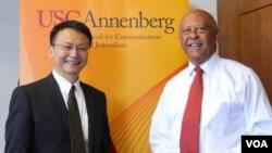 主导报告的南加大威尔森院长和北大贾庆国院长(美国之音国符拍摄)