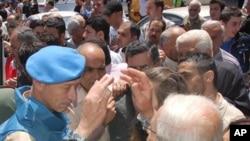 시리아 반정부 거점도시 홈즈에서 임무를 수행중인 유엔감시단