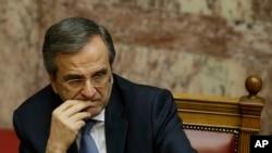 Antonis Samaras redoute une victoire de la gauche radicale aux législatives anticipées