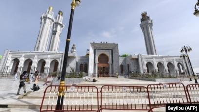 """Résultat de recherche d'images pour """"la belle mosquée mouride"""""""