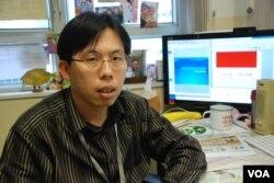香港教協理事、中學通識科教師方景樂,設計了一套以佔領中環為議題的中學通識科教材(美國之音湯惠芸)