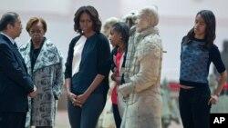 ສະຕີໝາຍເລກນຶ່ງ ທ່ານນາງ Michelle Obama ຢ້ຽມຢາມ ຈີນ