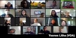 """Toto Suryanto dari TV One saat berbicara dalam diskusi virtual """"Merumuskan Pola Baru Jurnalisme TV di Era New Normal (28/5) oleh Ikatan Jurnalis Televisi Indonesia (IJTI). (Foto: VOA/Yoanes Litha)"""
