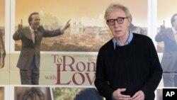 Woody Allen se alista a crear una siere de TV para Amazon.